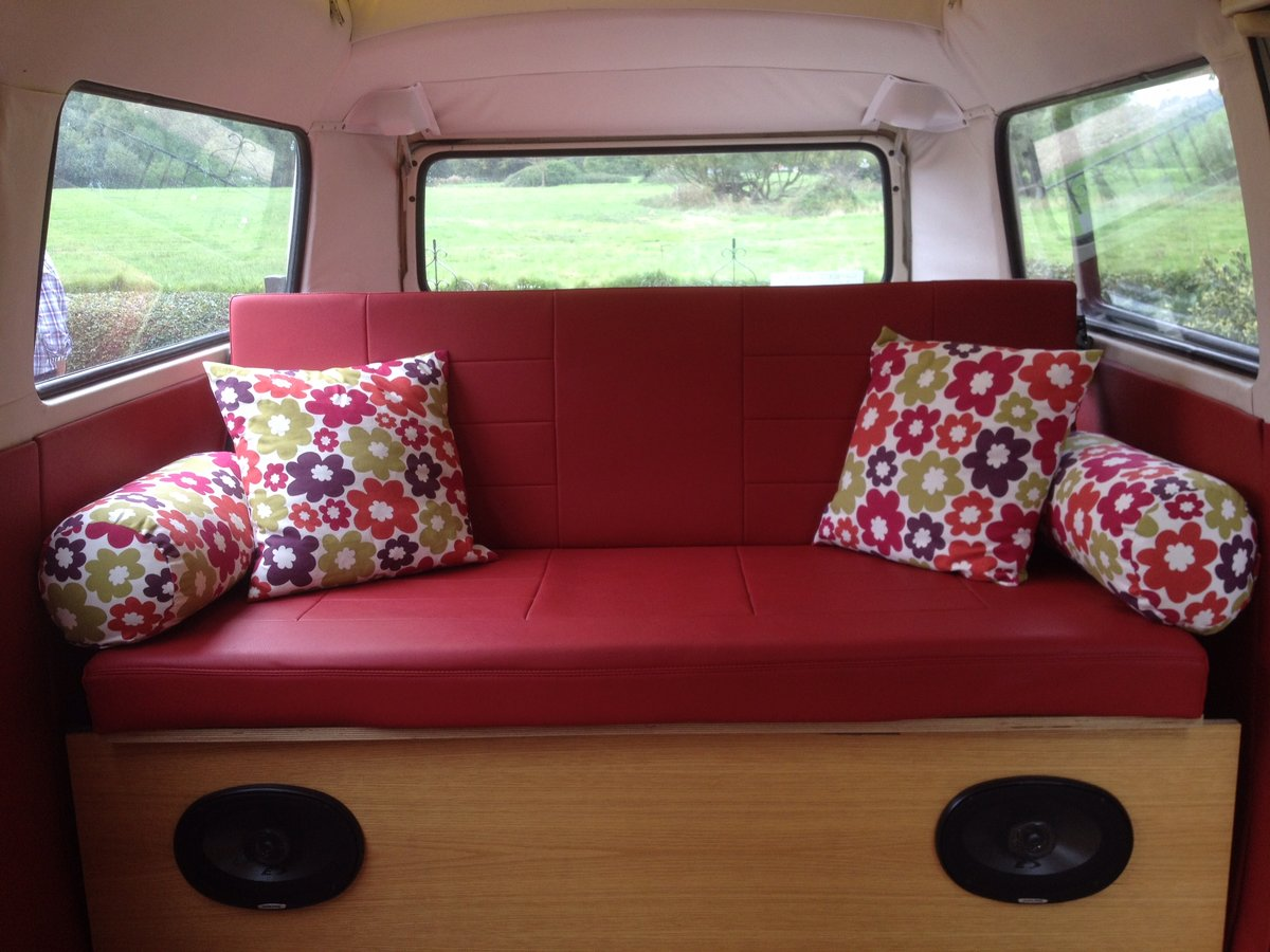 Volkswagen T2 Bay Window Crossover 1972  For Sale (picture 2 of 6)