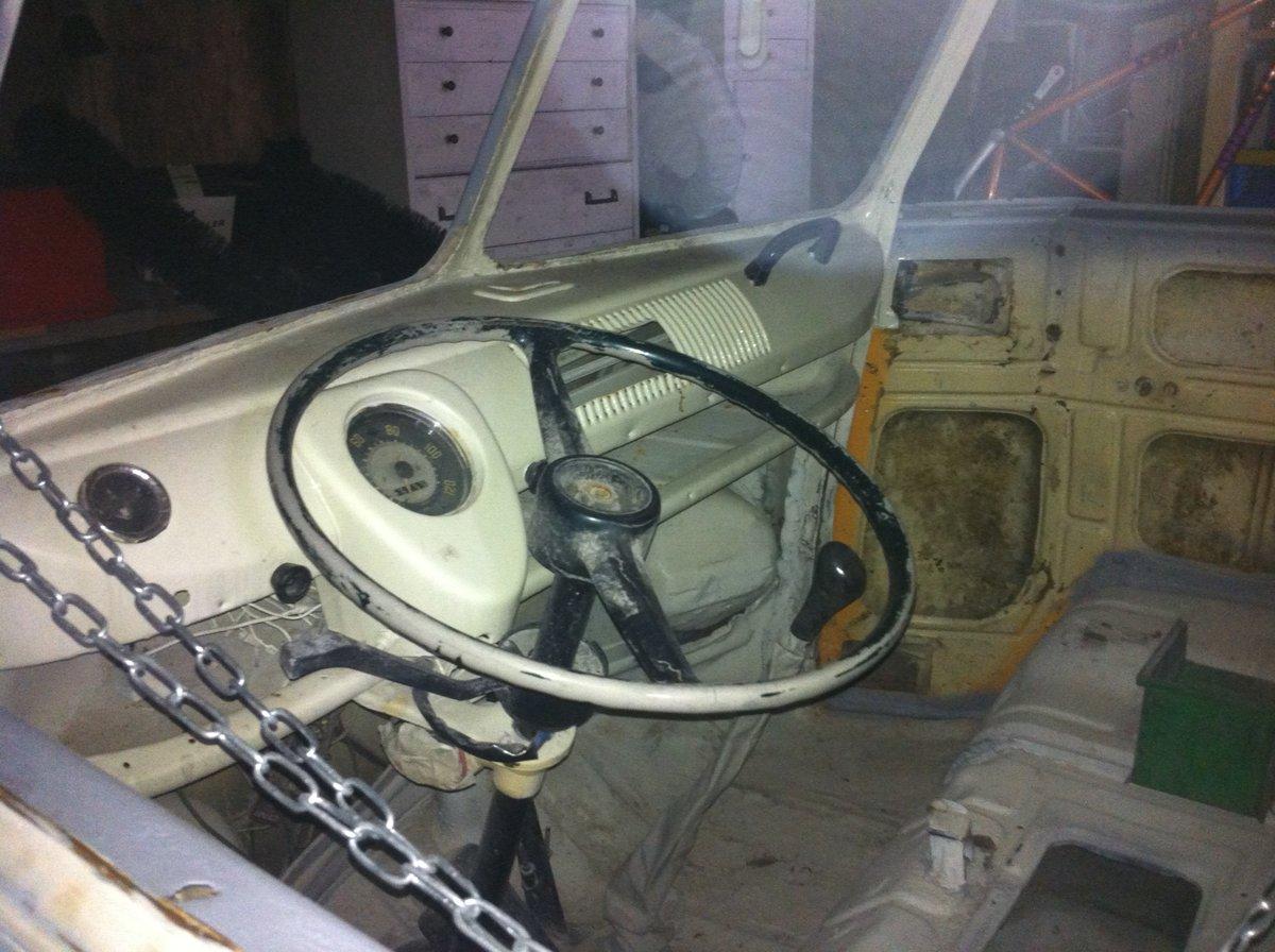 1973 VW. Volkswagen. Split screen camper.. Project. For Sale (picture 2 of 6)