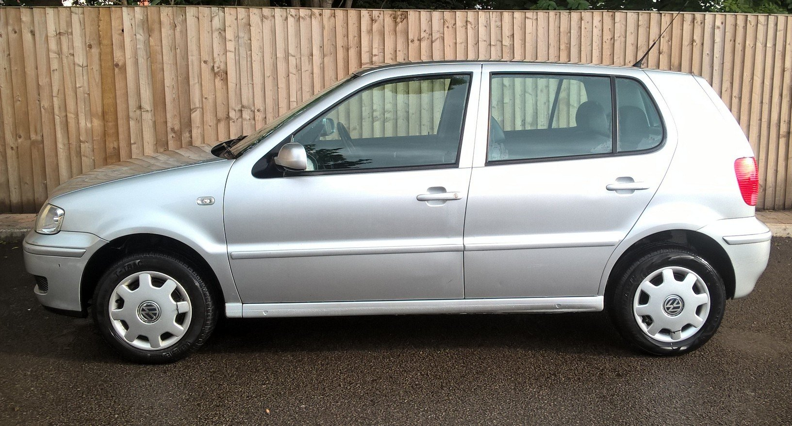 2001 VW Polo 1.4 'Match', 24K miles, 31.5.2020 MOT For Sale (picture 1 of 6)