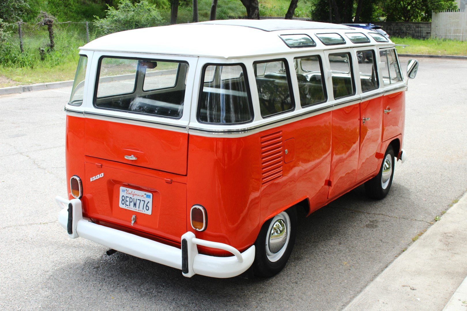 1970 VOLKSWAGEN TYPE 2 BUS T2A For Sale (picture 2 of 6)