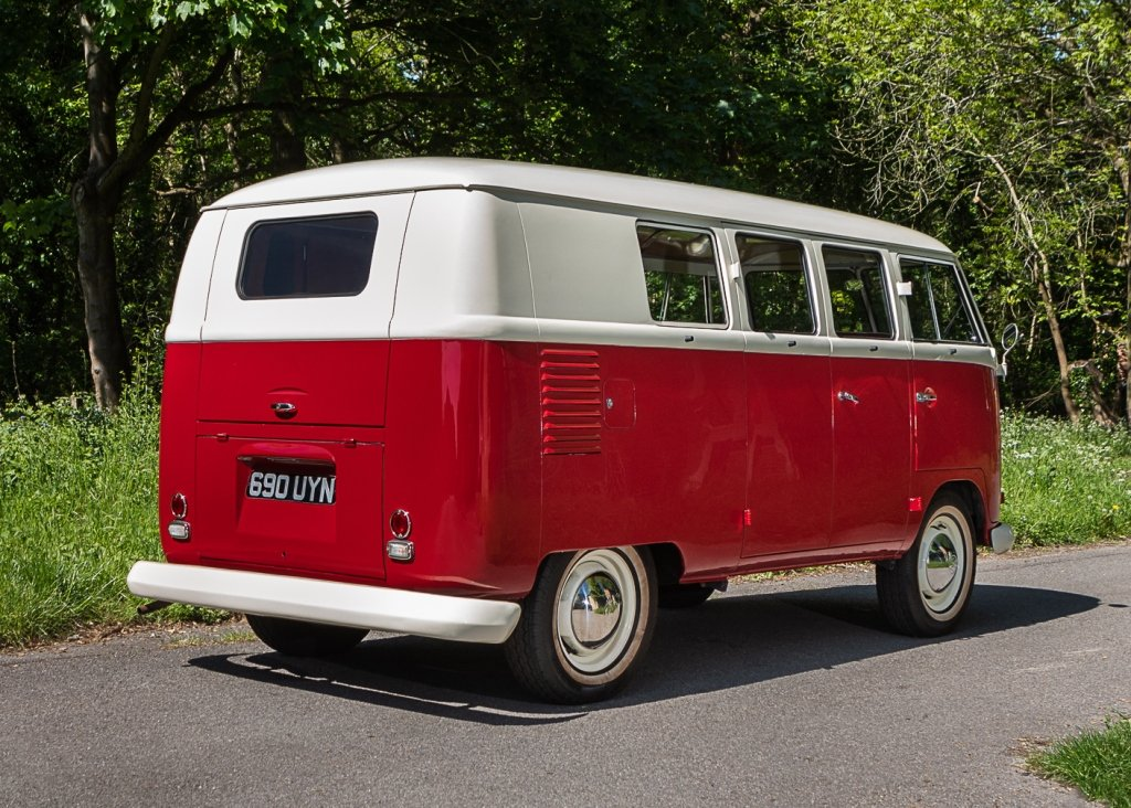 1961 Volkswagen Type Two Split-Screen Kombi SOLD by Auction (picture 2 of 6)