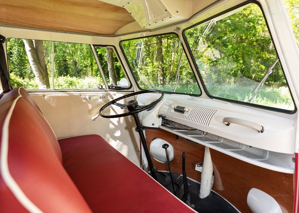1961 Volkswagen Type Two Split-Screen Kombi SOLD by Auction (picture 4 of 6)