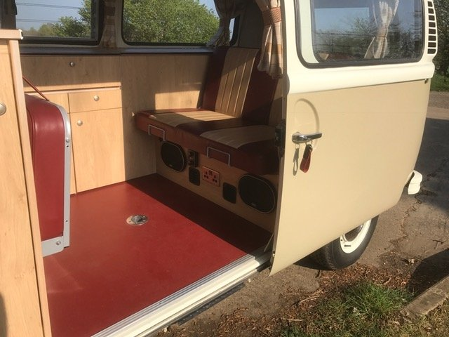 1973 Australian imported RHD camper, full leather, flawless spec  For Sale (picture 2 of 6)