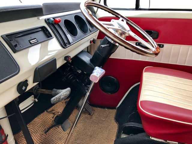 1977 amazing high spec RHD retro modern bus imported from Aus For Sale (picture 4 of 6)