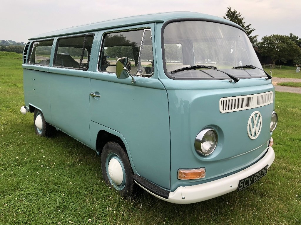 Lot 35 - A 1969 Volkswagen T2 Combi - 21/07/2019 For Sale by Auction (picture 2 of 6)
