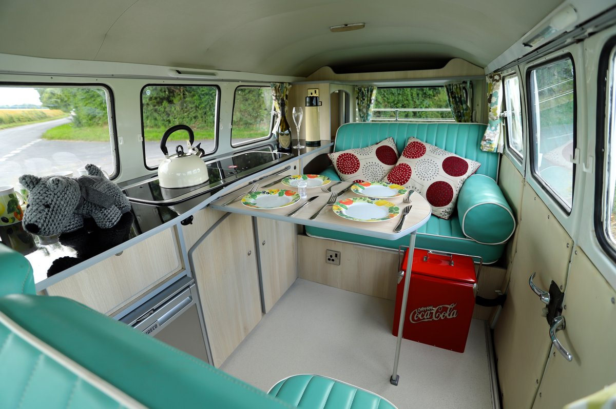 1966 VW Split Screen Camper Van. Right Hand Drive. Restored. For Sale (picture 5 of 6)