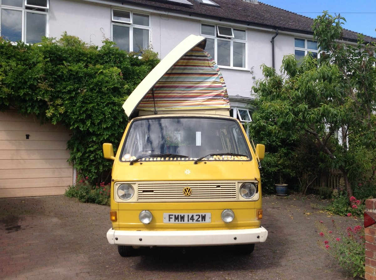 VW T25 Camper van with pop top Classic 1980  For Sale (picture 1 of 6)