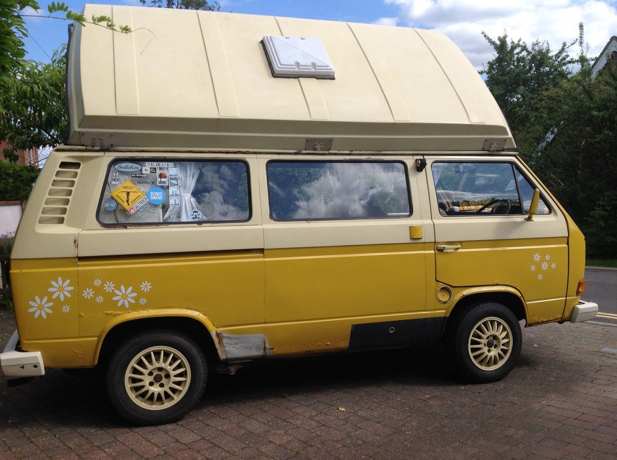 VW T25 Camper van with pop top Classic 1980  For Sale (picture 3 of 6)