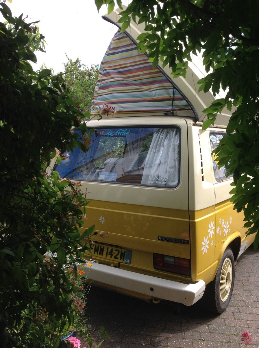 VW T25 Camper van with pop top Classic 1980  For Sale (picture 4 of 6)