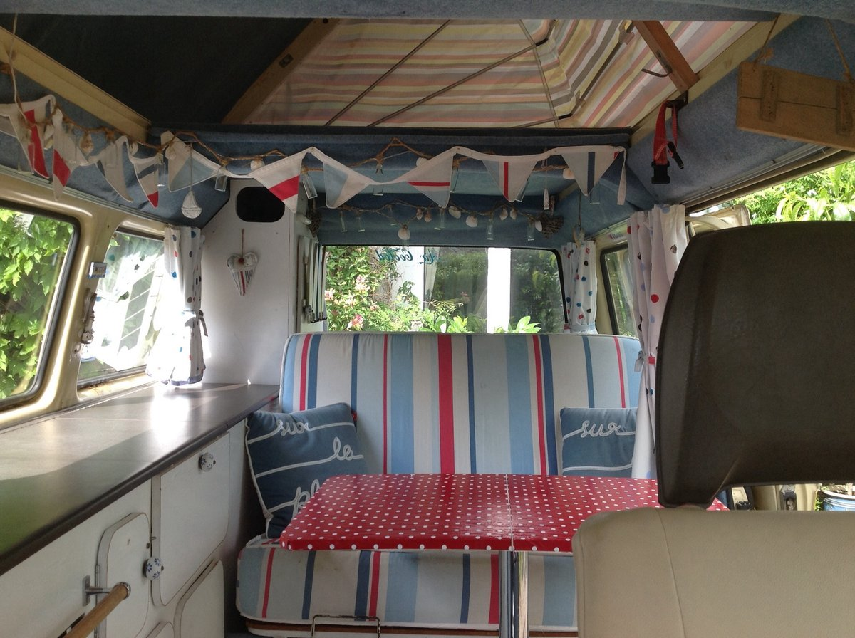 VW T25 Camper van with pop top Classic 1980  For Sale (picture 5 of 6)