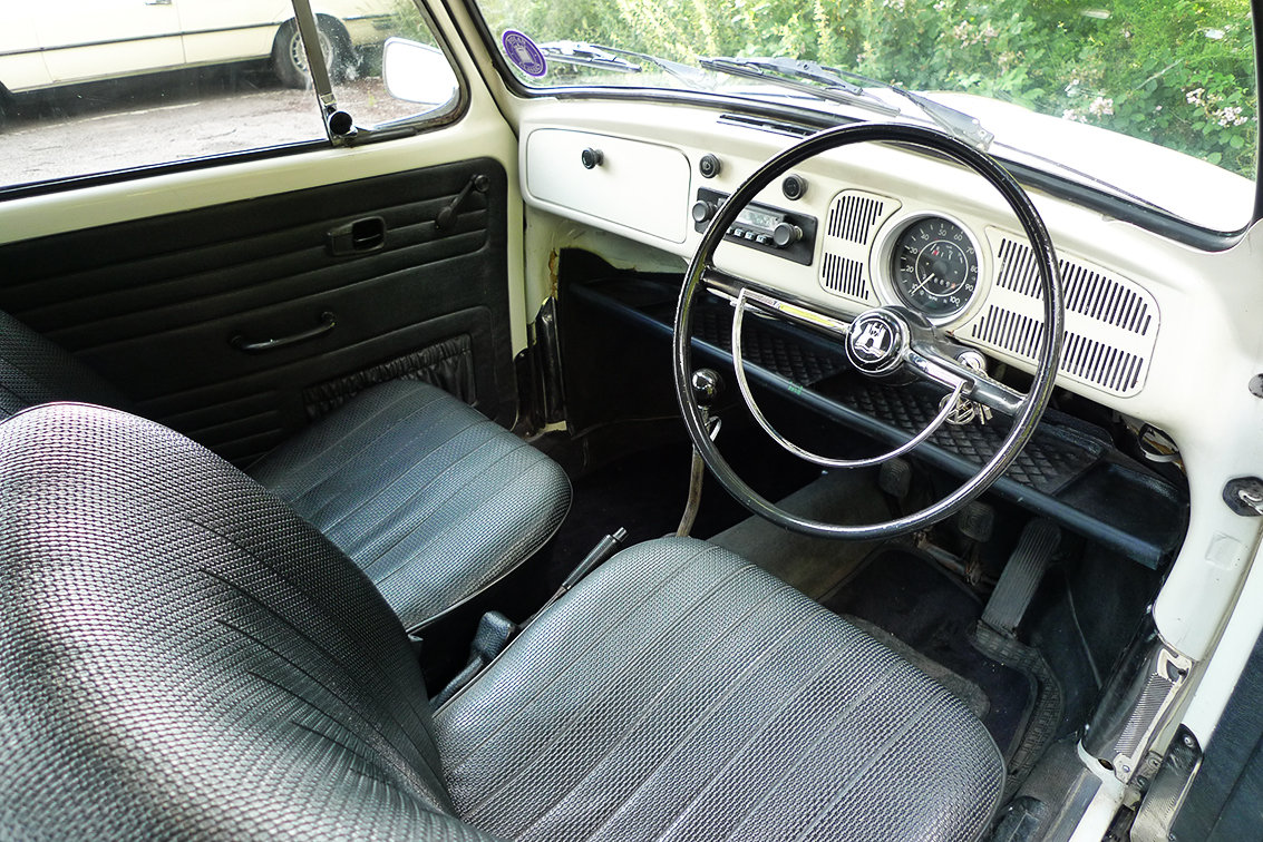 Vw beetle 1971 - simply stunning - daily driver SOLD (picture 5 of 6)