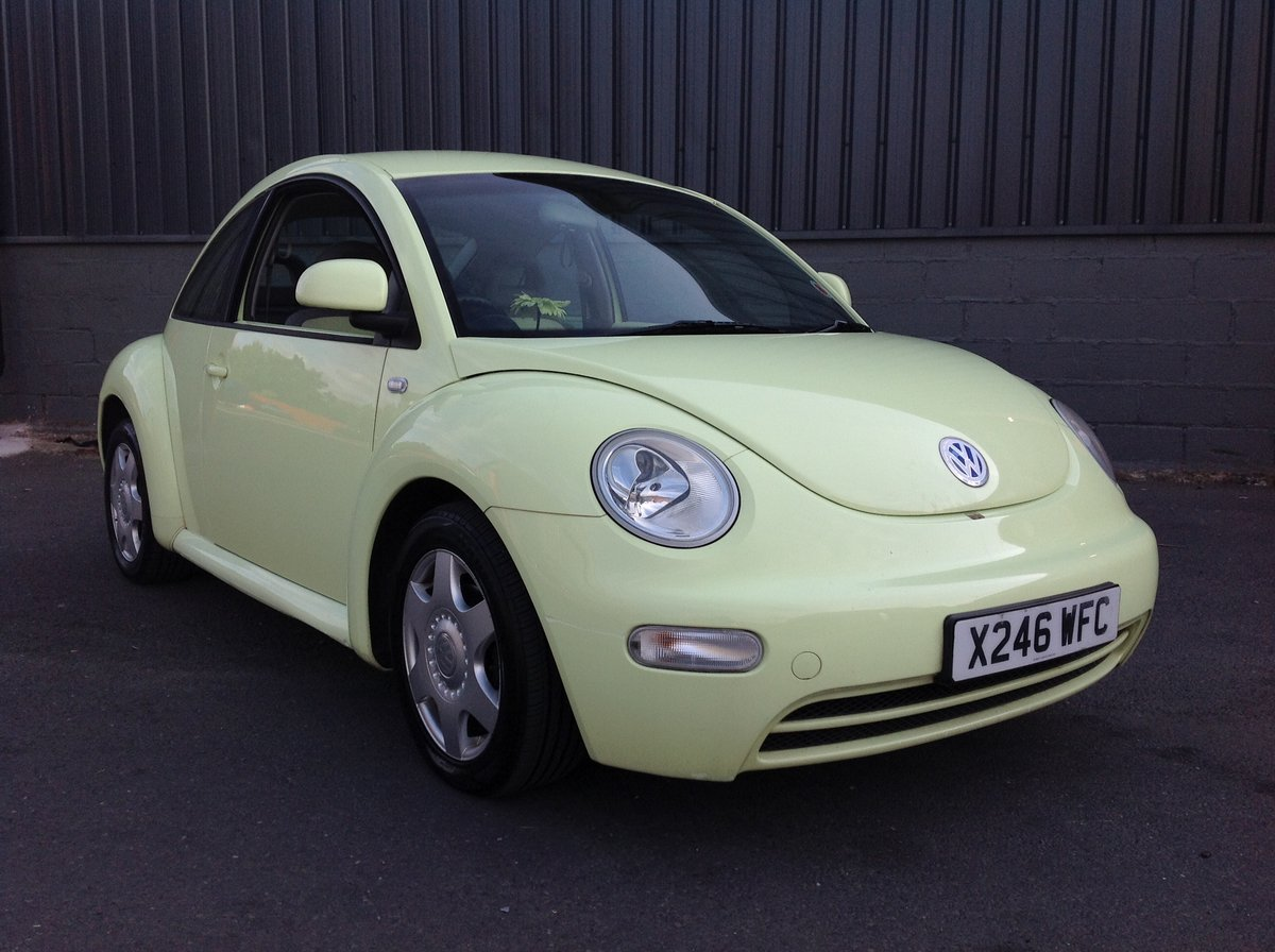 2001 VW BEETLE 2.0 ISOTOPE LEMON GREEN FSH FULL MOT JUST SERVICED For Sale (picture 1 of 6)