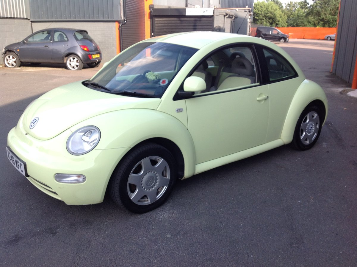 2001 VW BEETLE 2.0 ISOTOPE LEMON GREEN FSH FULL MOT JUST SERVICED For Sale (picture 2 of 6)