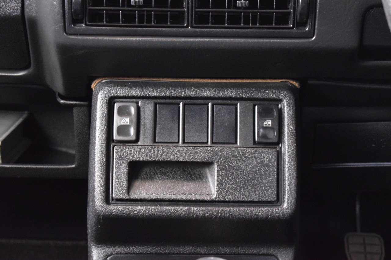 VW VOLKSWAGEN GOLF GTI 16V MK2 1.8 3DR 1992 RED For Sale (picture 8 of 12)