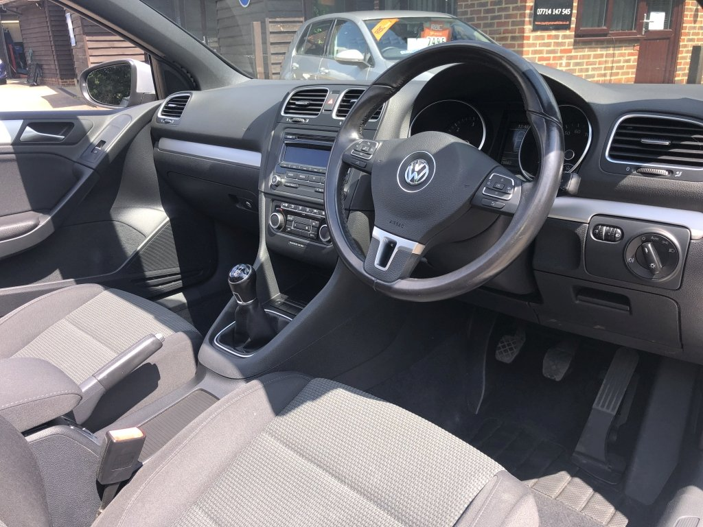 2012 (12) VOLKSWAGEN GOLF 1.6 TDI BLUEMOTION TECH SE CABRIOL For Sale (picture 5 of 6)