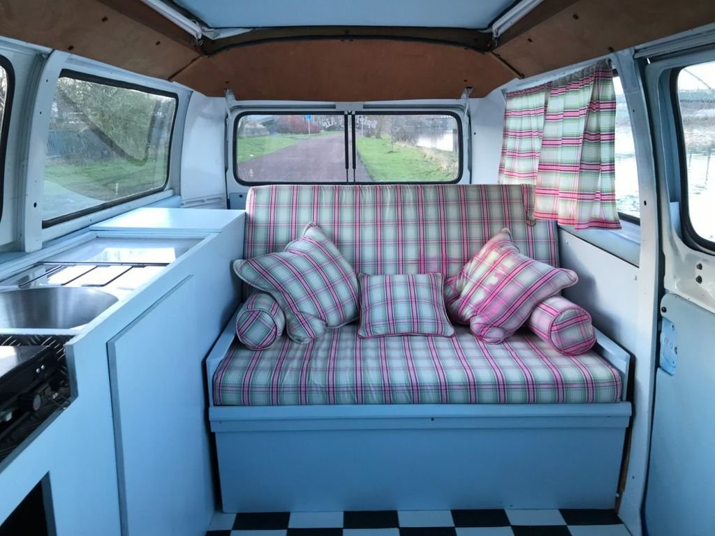 1978 Volkswagen t2 bay camper **stunning - £20k build** For Sale (picture 4 of 6)