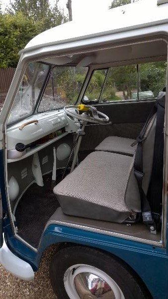 1964 VW split screen camper; original interior For Sale (picture 2 of 6)