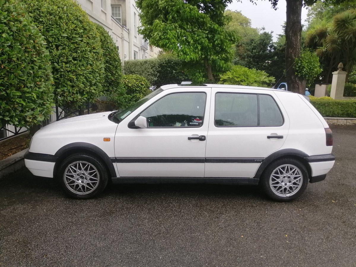 1995 Volkswagen Mark 3 Golf VR6 2.8 4 Door White For Sale (picture 1 of 5)