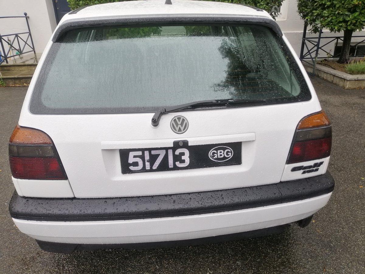 1995 Volkswagen Mark 3 Golf VR6 2.8 4 Door White For Sale (picture 2 of 5)