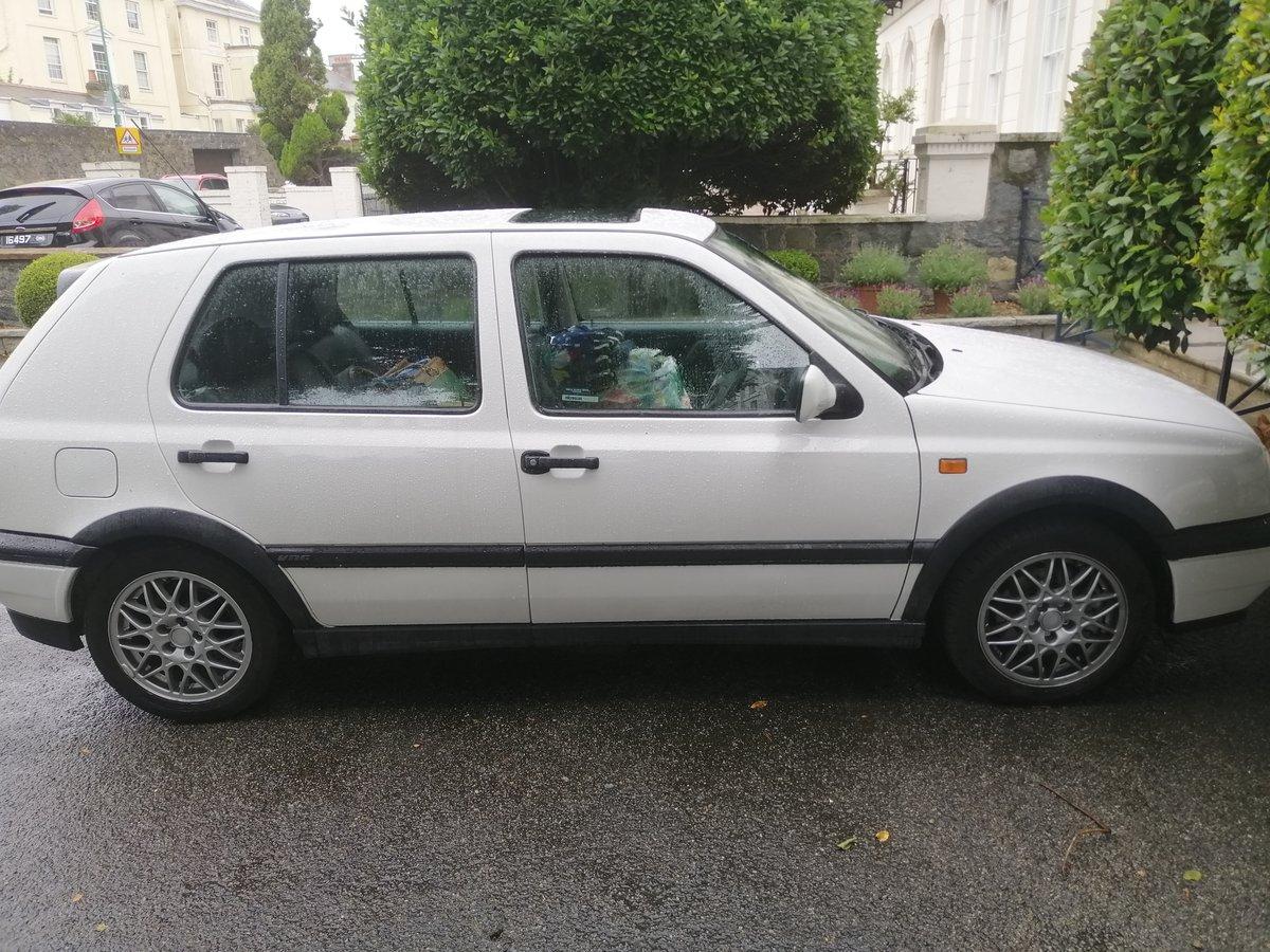 1995 Volkswagen Mark 3 Golf VR6 2.8 4 Door White For Sale (picture 3 of 5)