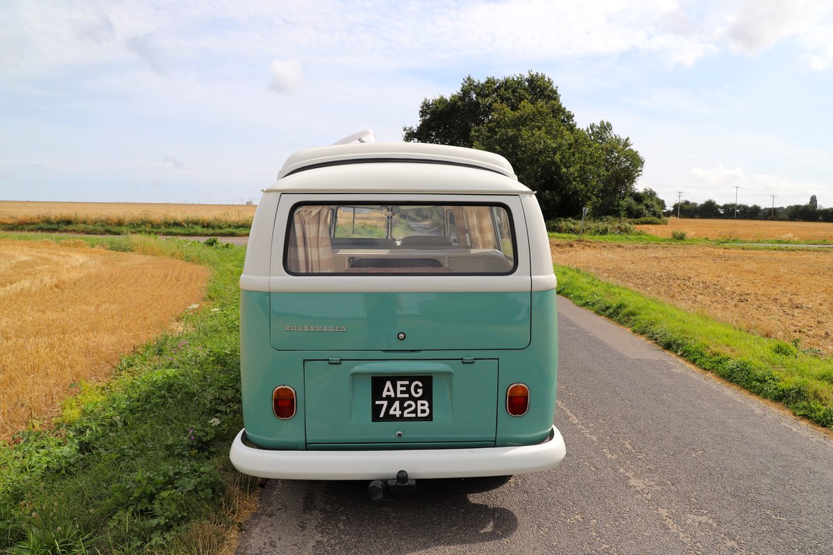 1964 VW Split Screen Camper Van. RHD. Fully Restored. For Sale (picture 3 of 6)