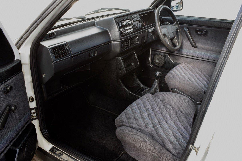 VW VOLKSWAGEN GOLF MK2 GTI 8V 5DR WHITE 1991 SUMMER SALE! SOLD (picture 9 of 17)