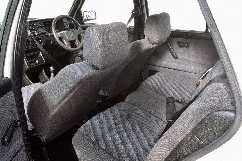 VW VOLKSWAGEN GOLF MK2 GTI 8V 5DR WHITE 1991 SUMMER SALE! SOLD (picture 10 of 17)