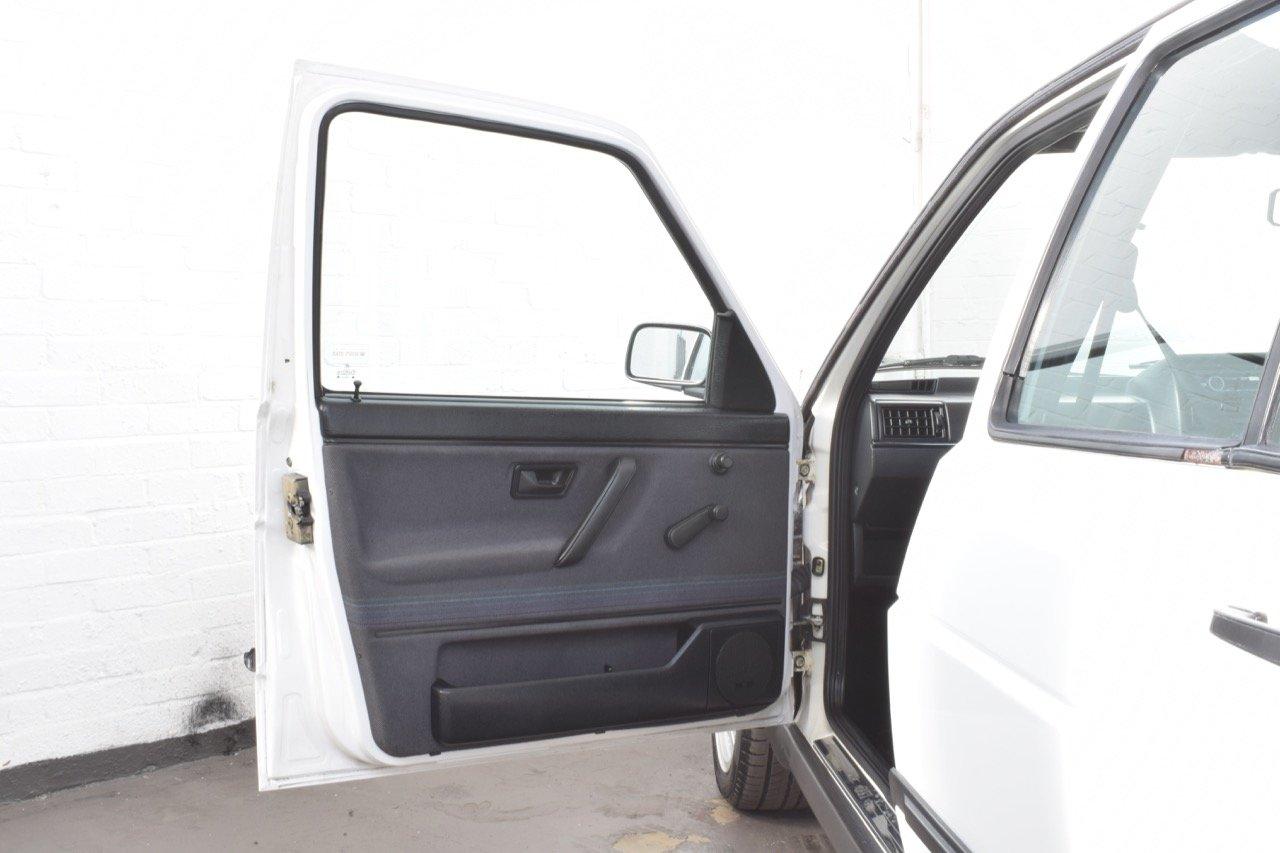 VW VOLKSWAGEN GOLF MK2 GTI 8V 5DR WHITE 1991 SUMMER SALE! SOLD (picture 11 of 17)
