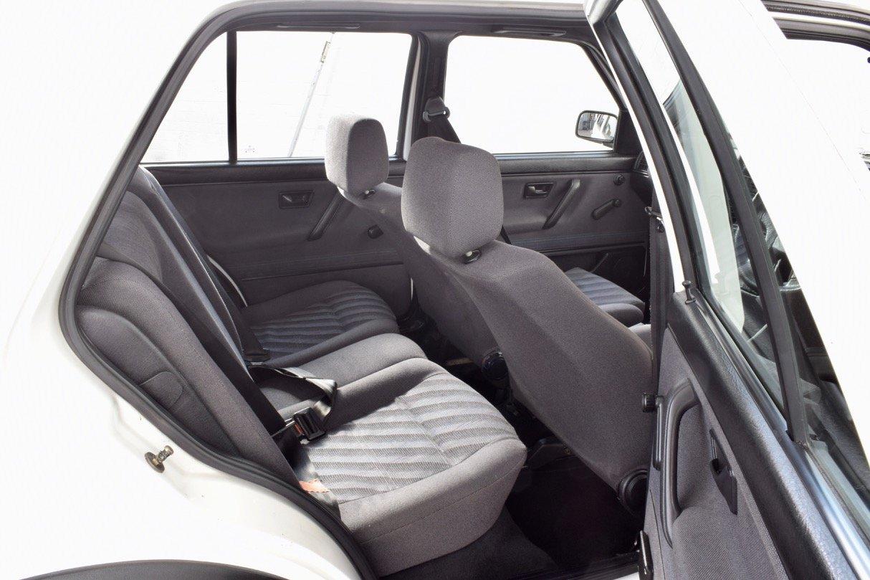 VW VOLKSWAGEN GOLF MK2 GTI 8V 5DR WHITE 1991 SUMMER SALE! SOLD (picture 13 of 17)