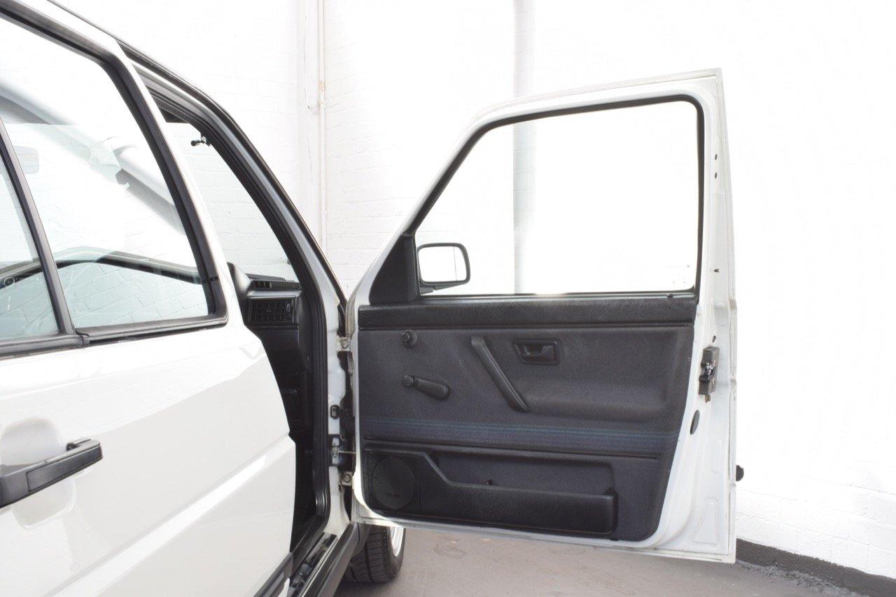 VW VOLKSWAGEN GOLF MK2 GTI 8V 5DR WHITE 1991 SUMMER SALE! SOLD (picture 14 of 17)