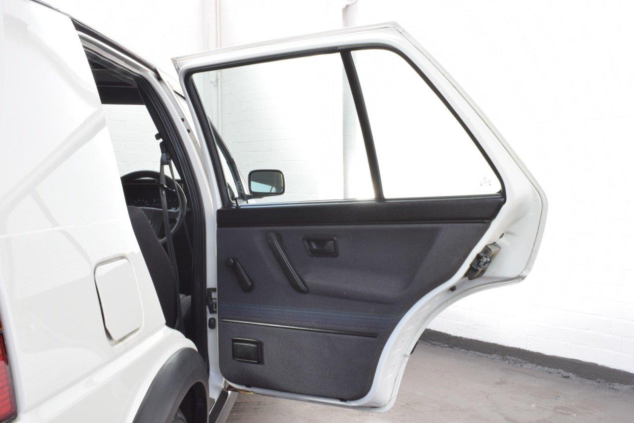 VW VOLKSWAGEN GOLF MK2 GTI 8V 5DR WHITE 1991 SUMMER SALE! SOLD (picture 15 of 17)