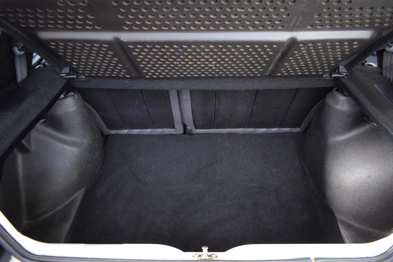 VW VOLKSWAGEN GOLF MK2 GTI 8V 5DR WHITE 1991 SUMMER SALE! SOLD (picture 16 of 17)