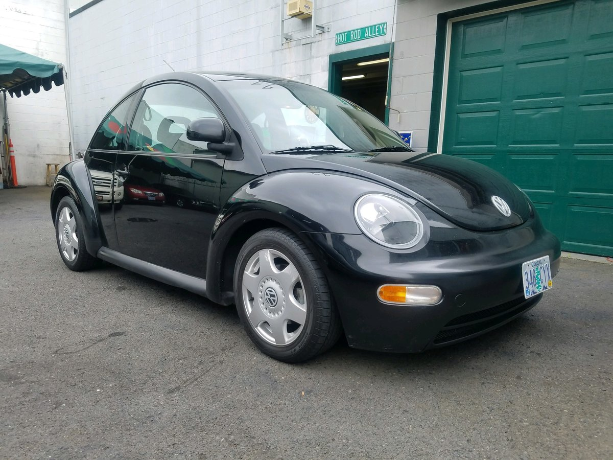 1998 Volkswagen Beetle - Lot 605 For Sale by Auction (picture 1 of 3)