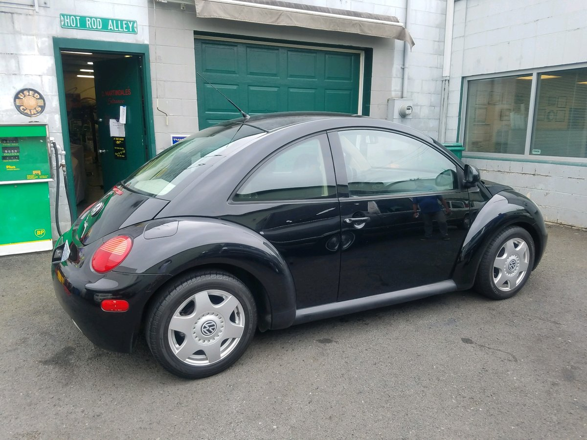 1998 Volkswagen Beetle - Lot 605 For Sale by Auction (picture 2 of 3)