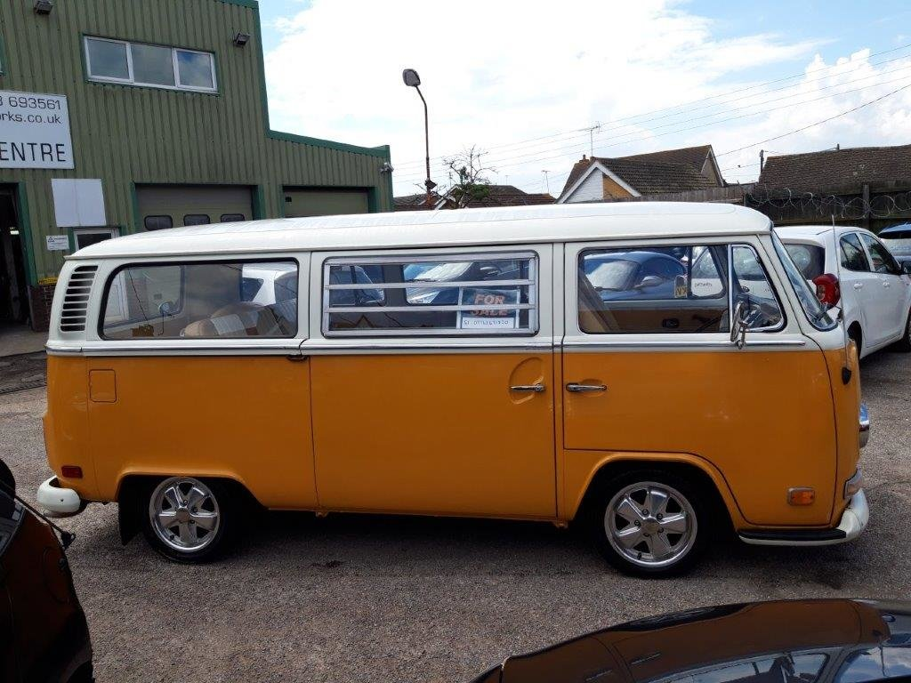 1972 T2 BAY WINDOW For Sale (picture 1 of 6)