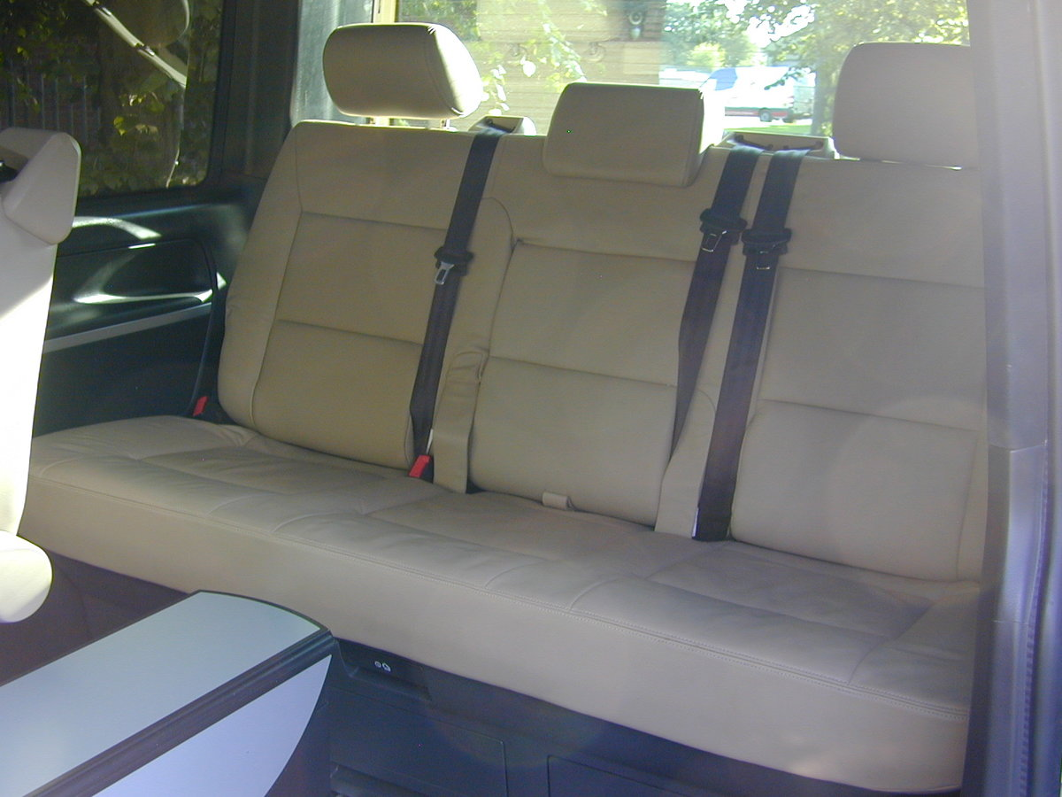 2107 VW TRANSPORTER T6 T28 2.0 TDi - DAY VAN / MULTIVAN - HI SPEC For Sale (picture 6 of 6)