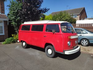 1972 VW T2 Bay Window Campervan - Red - Project -