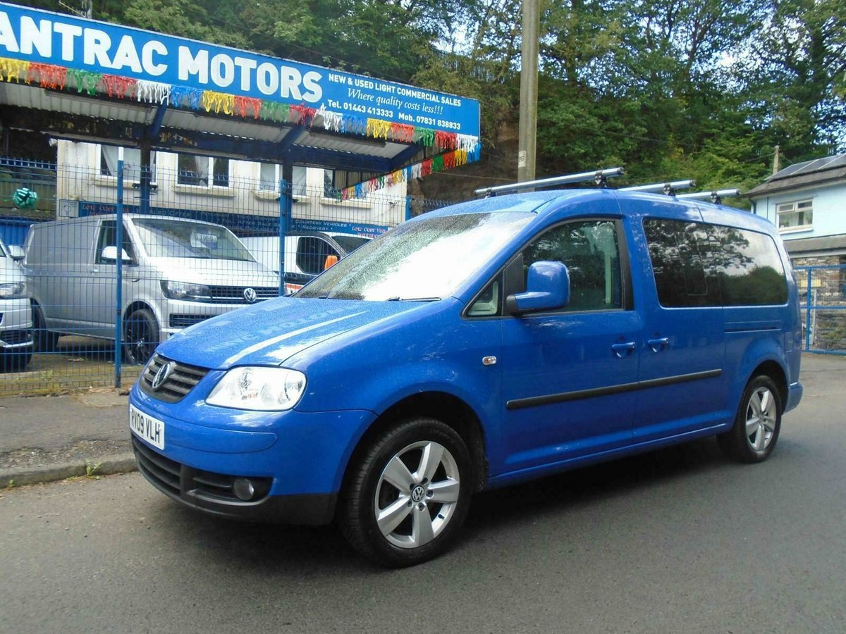 2009. VwCADDY MAXI LIFE- 7 SEATER, A/C blue For Sale (picture 1 of 6)