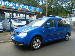 2009. VwCADDY MAXI LIFE- 7 SEATER, A/C blue For Sale