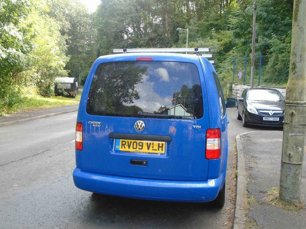 2009. VwCADDY MAXI LIFE- 7 SEATER, A/C blue For Sale (picture 6 of 6)