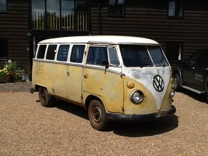 1975 VW Camper Splitscreen 15 window for restoration For Sale