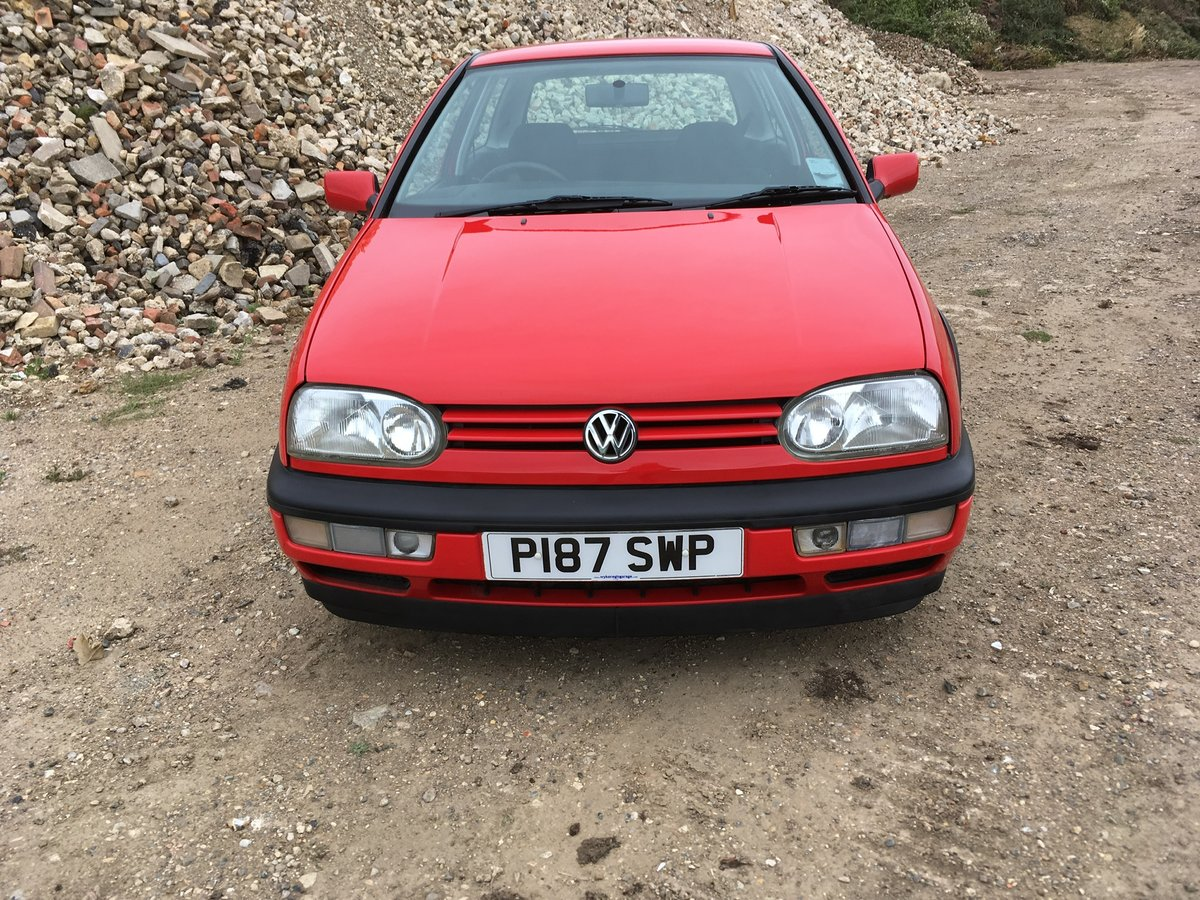 1996 Vw golf 16v GTI 3dr with 16 service stamps For Sale (picture 3 of 6)