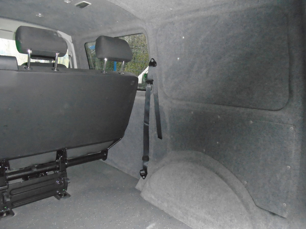 2016 65 Volkswagen Transporter 2.0TDI T28  KOMBI 6 SEATS  For Sale (picture 4 of 6)