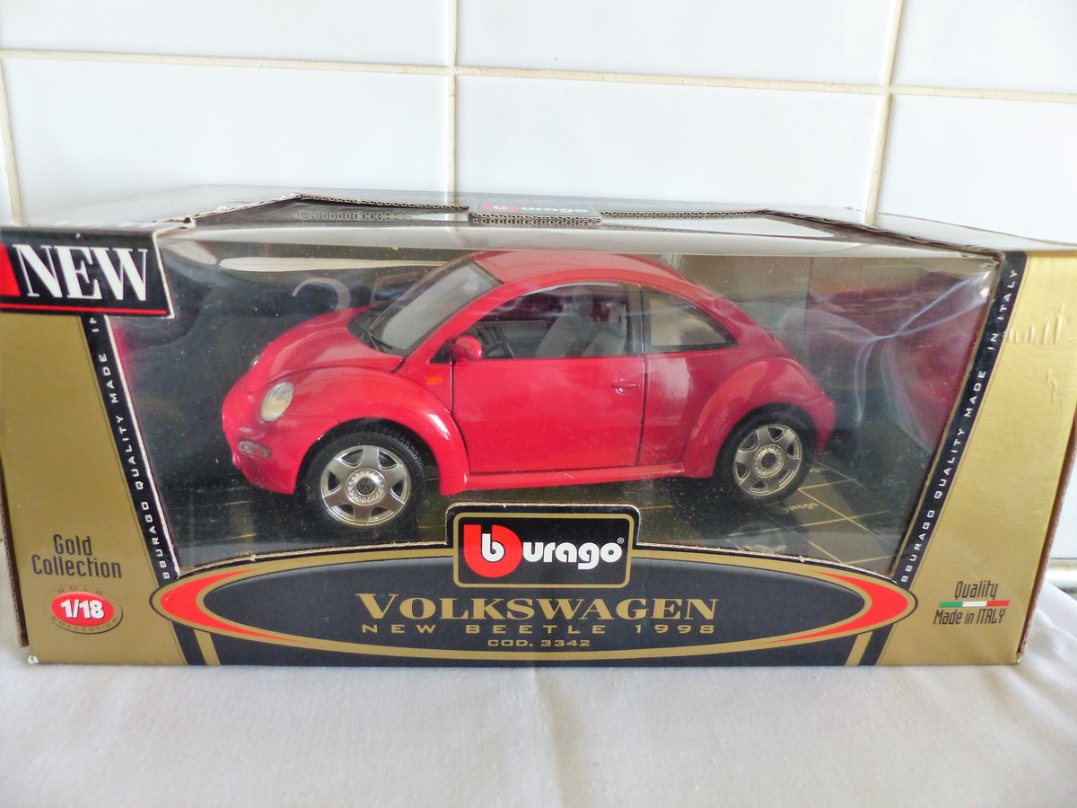 "1998 VW BEETLE ""BURAGO 1:18 SCALE COLLECTABLE"" For Sale (picture 2 of 6)"
