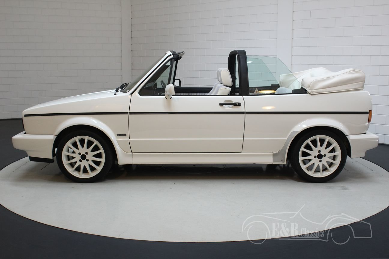 Volkswagen Golf MK1 Cabriolet 1994 White Edition For Sale (picture 5 of 6)