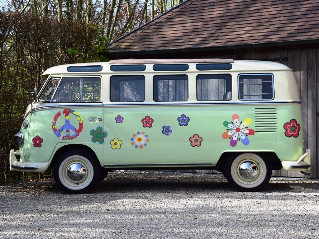 1965 Stunning VW T1 Samba with Safari windscreen For Sale (picture 2 of 6)