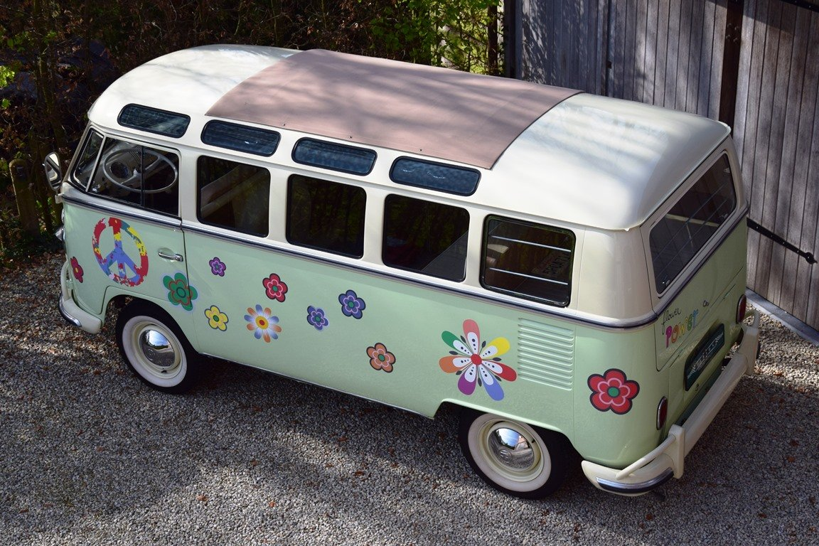 1965 Stunning VW T1 Samba with Safari windscreen For Sale (picture 3 of 6)