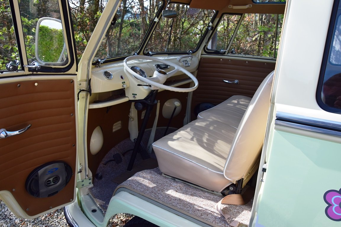 1965 Stunning VW T1 Samba with Safari windscreen For Sale (picture 5 of 6)