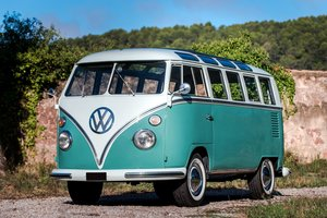 """1966 Volkswagen Combi Samba-bus """"21 fenêtres""""       For Sale by Auction"""
