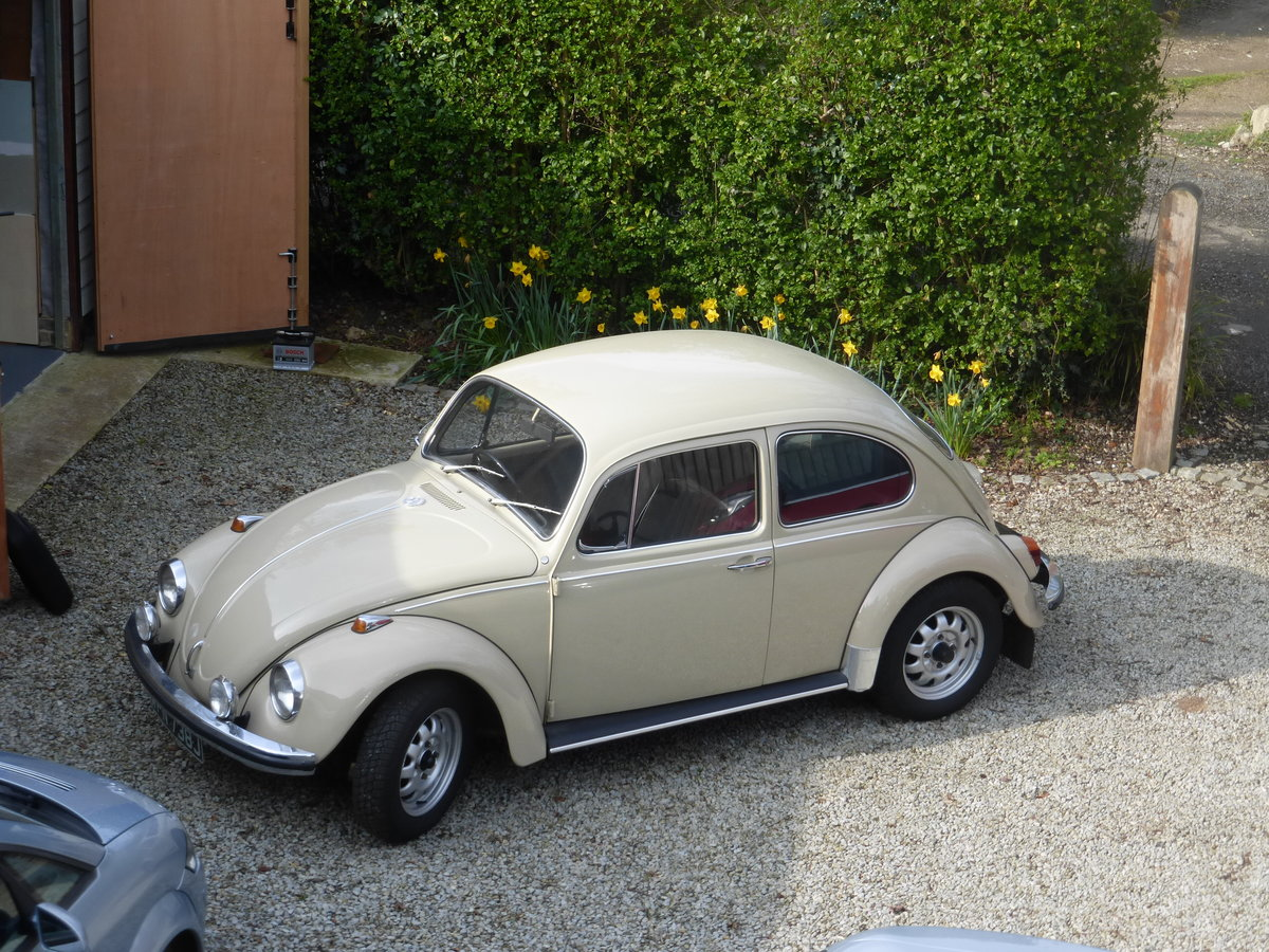 1970 Volkswagen Beetle 1500 - one owner since 1977 SOLD by Auction (picture 1 of 6)
